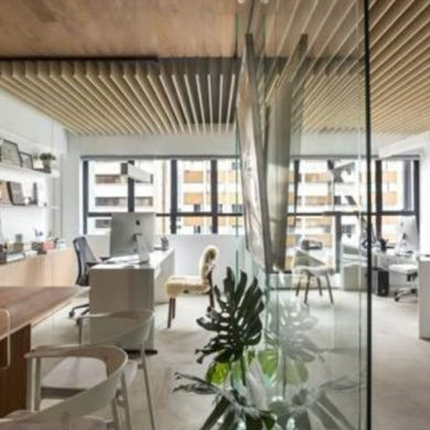 MDF é protagonista em escritório de arquitetura curitibano
