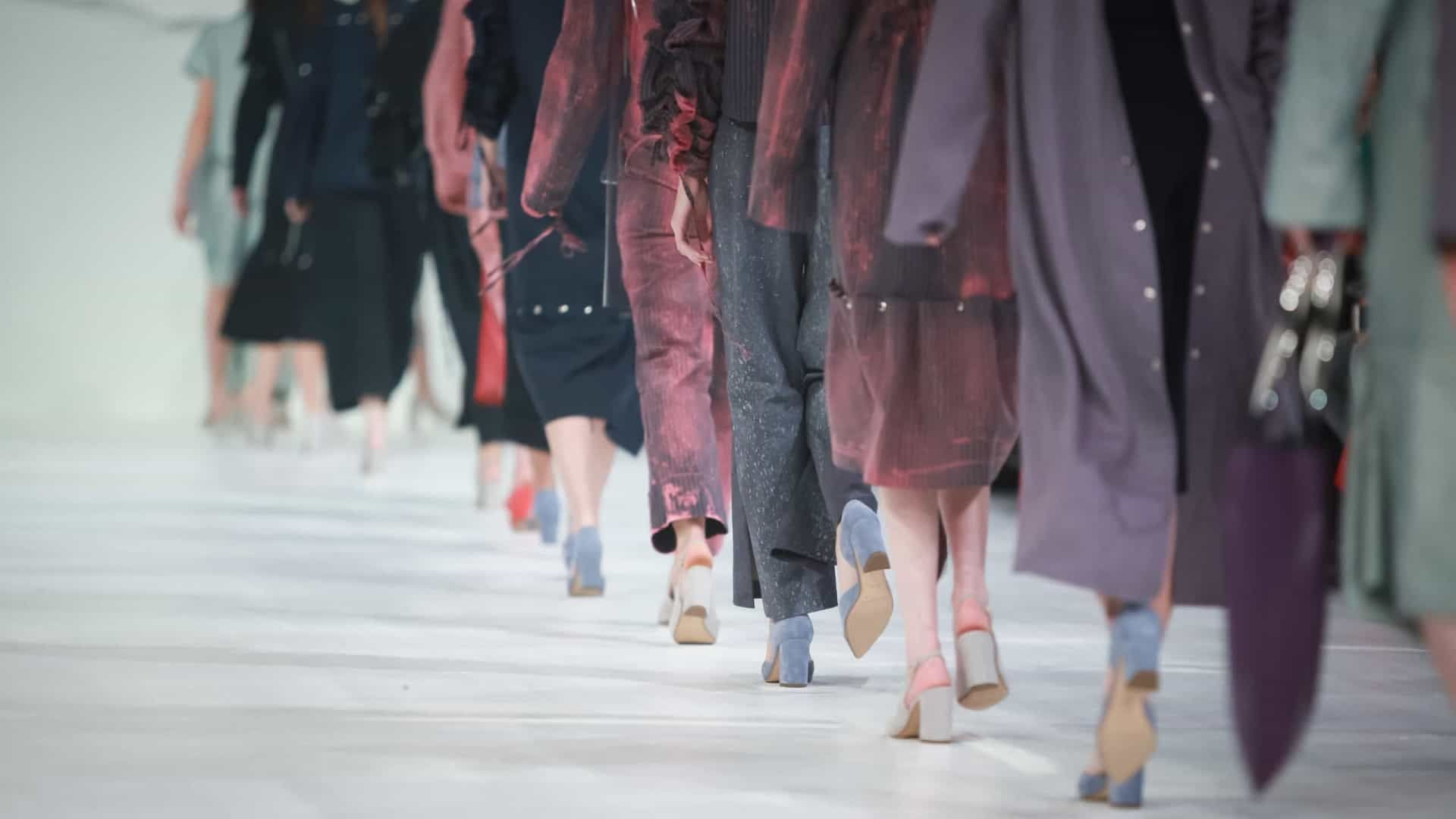 Moda em tempos de pandemia por Lindebergue Fernandes