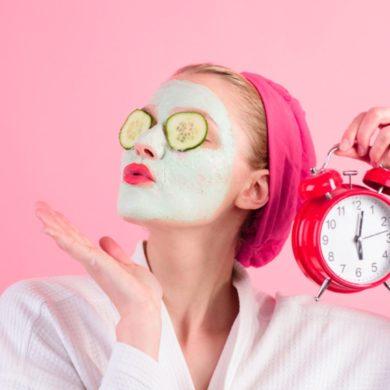 Cuidados com a pele na quarentena e dicas de produtos | Revista Oka